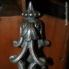 Antigüedades: LLAMADOR EN HIERRO FUNDIDO MIDE 24 X 7 CMS. BIEN CONSERVADO. Lote 137336686