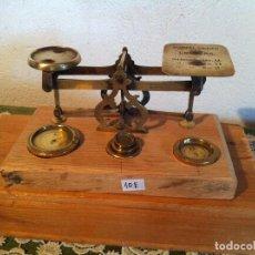 Antigüedades: PRECIOSA BALANZA PESACARTAS DEL AÑO 1885 CON SUS 5 PESAS ORIGINALES (BP E STS10E). Lote 137435766