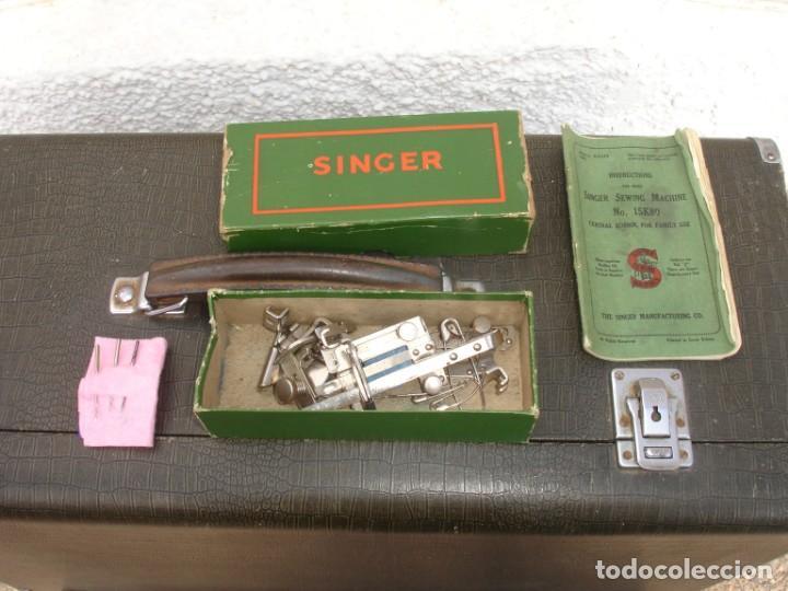 Antigüedades: MAQUINA DE COSER SINGER 15k, CON DISEÑO RAF, FUNCIONA Y COSE, AÑO SEPTIEMBRE 1950 - Foto 4 - 137515890