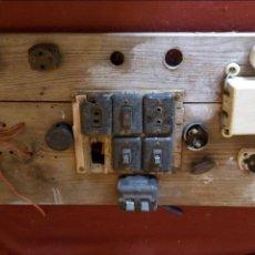Antigüedades: ANTIGUO CUADRO ELECTRICO DE MADERA. Lote 137658382