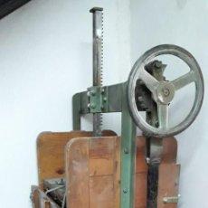 Antigüedades: PRENSA DE PAPEL ANTIGUA . Lote 137883858