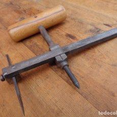 Antigüedades: HERRAMIENTA PARA EL CUERO, ANTIGUA ALEMAN. Lote 137888406