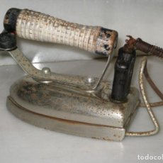Antigüedades: ANTIGUA PLANCHA ELECTRICA. Lote 137898150