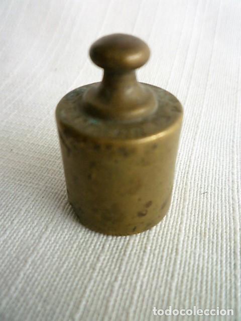 Antigüedades: PESAS DE BALANZA DE 50 Gr. DE BRONCE - Foto 2 - 146692638