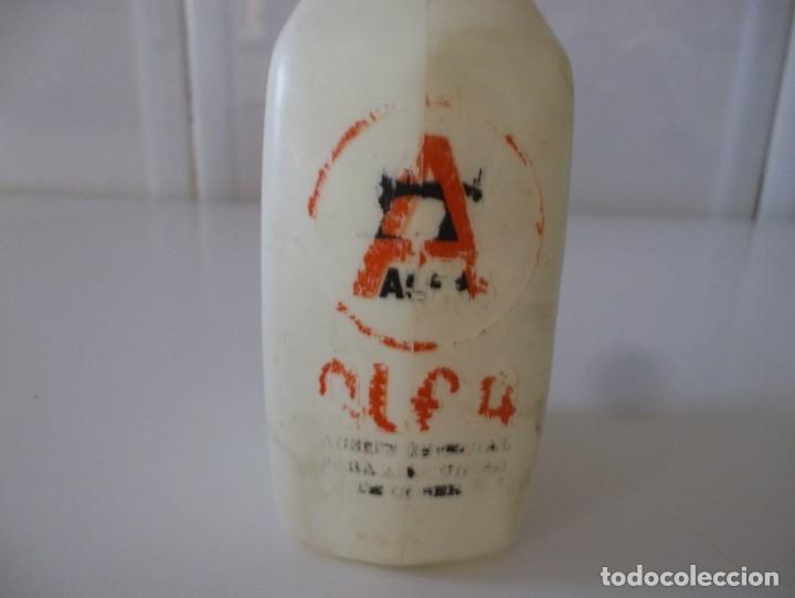 Antigüedades: ANTIGUO BOTE DE ACEITE PARA MAQUINA DE COSER ALFA-AÑOS 60-70 - Foto 3 - 138102690