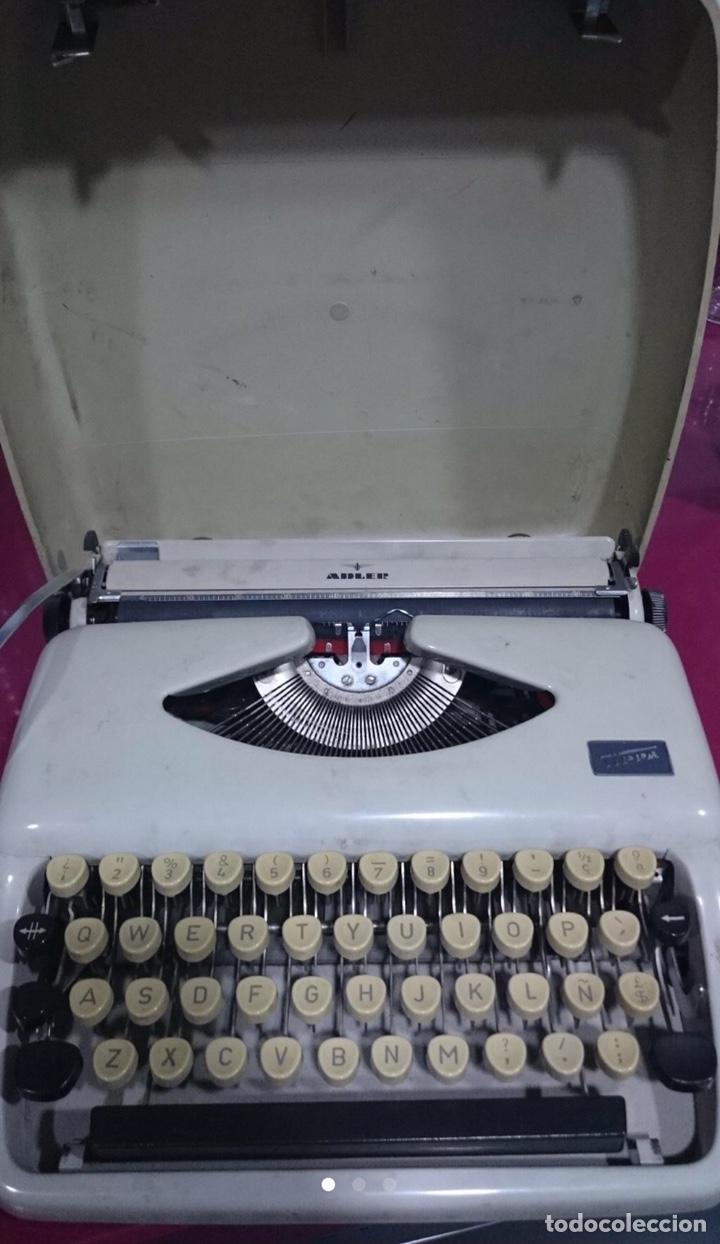 MAQUINA DE ESCRIBIR ADLER TIPPA EN BUEN ESTADO (Antigüedades - Técnicas - Máquinas de Escribir Antiguas - Otras)