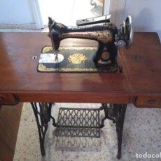Antigüedades: MÁQUINA DE COSER SINGER. Lote 138633198