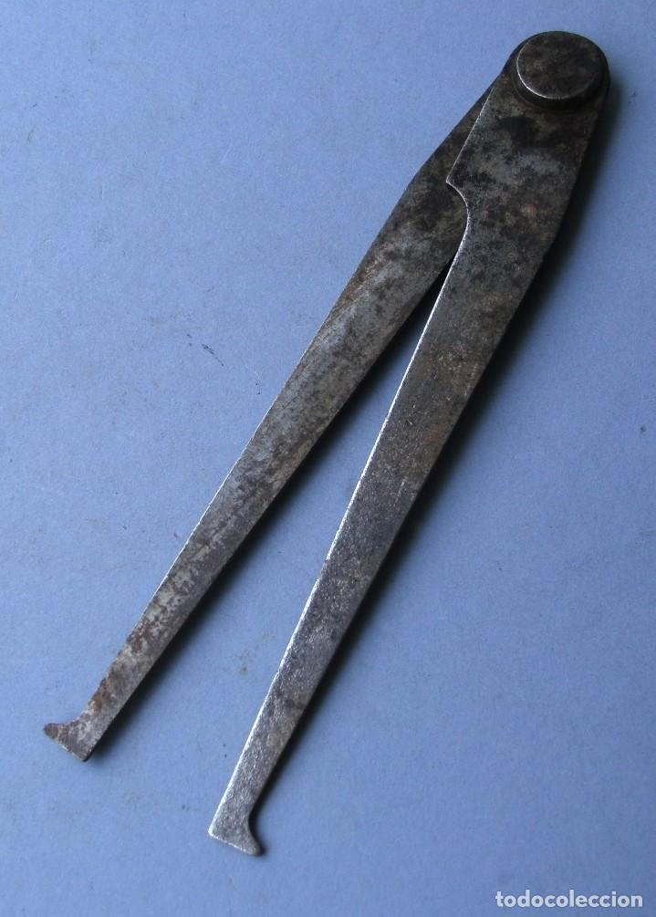 Antigüedades: compas de acero, para medidas interiores , 15cm aprox - Foto 2 - 138800030
