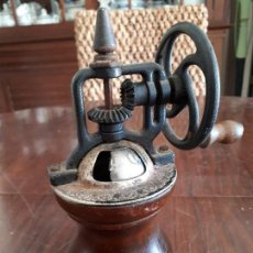 Antigüedades: MOLINILLO CAFÉ ANTIGUO. MADERA Y METAL.. Lote 138828942