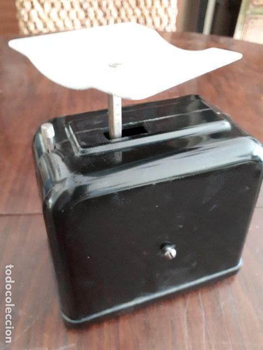 Antigüedades: Báscula Pesa Cartas EM. Baquelita y metal. 350 gramos. Oficina. - Foto 4 - 138830606