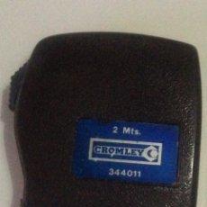Antigüedades: CINTA METRICA-2 MTS,MARCA CROMLEY.. Lote 138865234