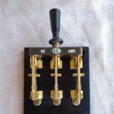 Antigüedades: ANTIGUO INTERRUPTOR DE PALANCA DE 80 AMP. 23,3 X 16,3 CM. Lote 139006846