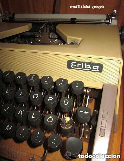 Antigüedades: Máquina de escribir Erika Tonos verdosos Made in Germany con funda original - Foto 3 - 139046242