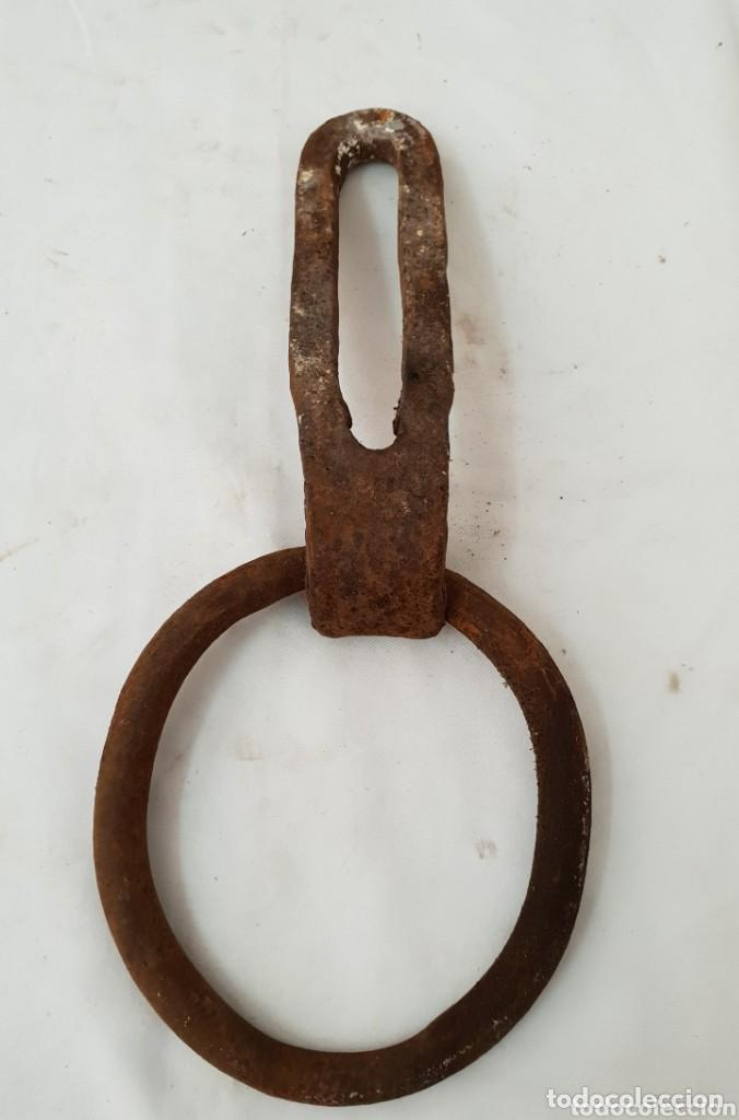 ALDABA DE HIERRO FORJADO (Antigüedades - Técnicas - Cerrajería y Forja - Aldabas Antiguas)
