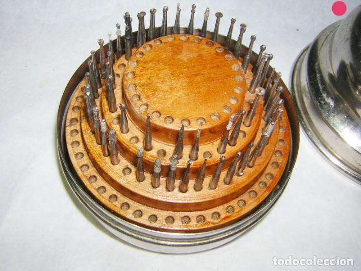 Antigüedades: CAJA CIRCULAR DE FRESAS ANTIGUAS DE MEDICO DENTISTA - Foto 2 - 139243082
