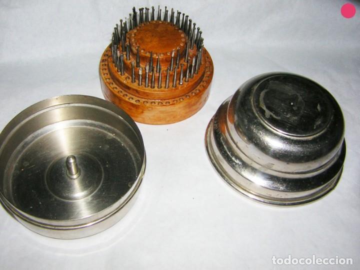 Antigüedades: CAJA CIRCULAR DE FRESAS ANTIGUAS DE MEDICO DENTISTA - Foto 3 - 139243082