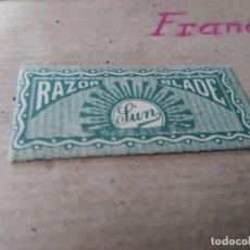 Antigüedades: ANTIGUA FUNDA DE HOJA DE AFEITAR CON HOJA FRANCIA LUN. Lote 139264070