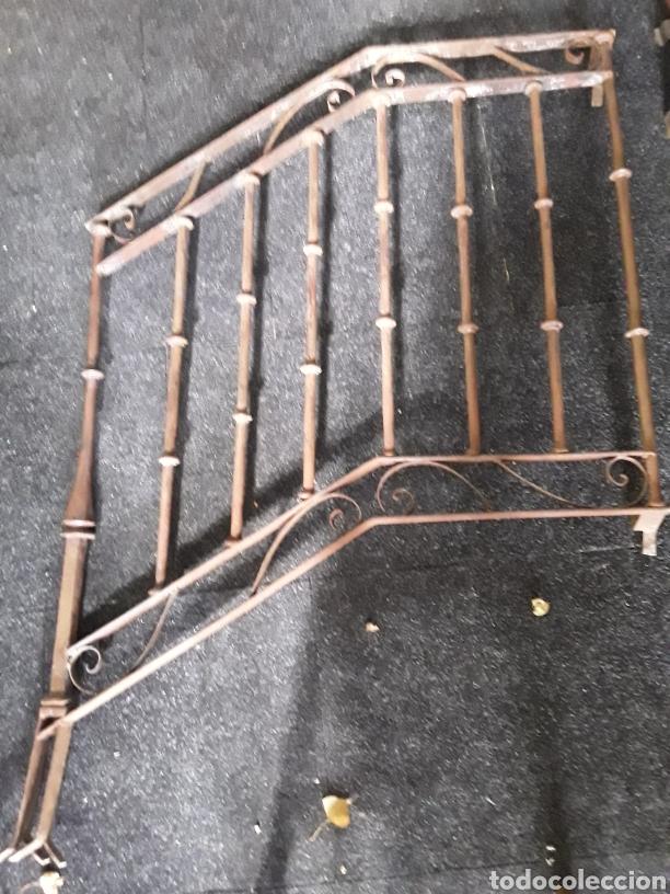 Antigüedades: Antiguo par de arranques de escalera en forja - Foto 4 - 139283221