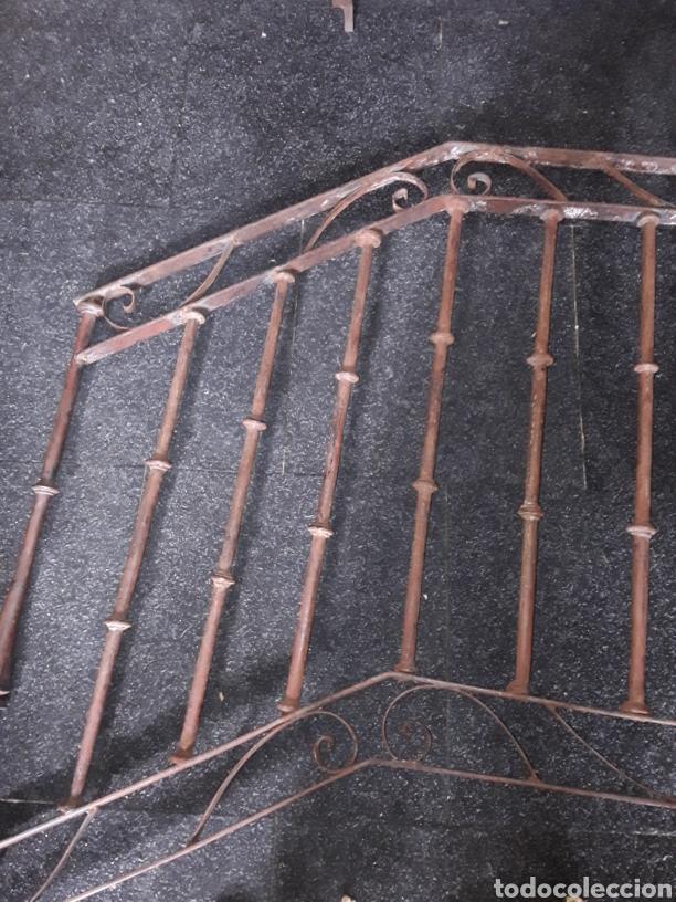 Antigüedades: Antiguo par de arranques de escalera en forja - Foto 6 - 139283221