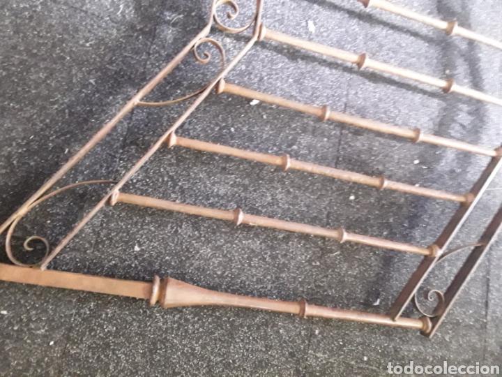 Antigüedades: Antiguo par de arranques de escalera en forja - Foto 9 - 139283221