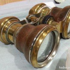 Antigüedades: PRISMÁTICOS ANTIGUOS EN BRONCE. AÑOS 50. ORIGEN FRANCÉS.. Lote 139287318