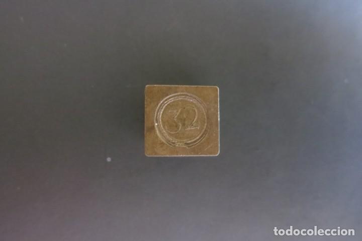 PESA DE 32 QUILATES 1850 (Antigüedades - Técnicas - Medidas de Peso - Ponderales Antiguos)