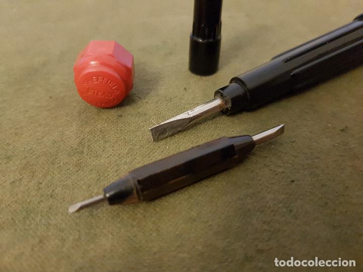 Antigüedades: Antiguo destornillador de bolsillo de 3 bocas ¨STEAD´ baquelita y hierro. - Foto 9 - 139308630