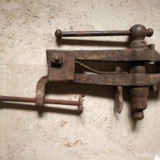 Antigüedades: TORNILLO PARA BANCO DE TRABAJO ANTIGUO.. Lote 139386446