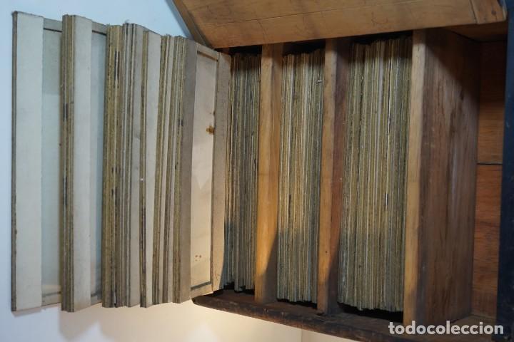 Antigüedades: VINTAGE CABINET para PREPARACIONES DE MICROSCOPIO c. 1920 - Foto 4 - 142063104