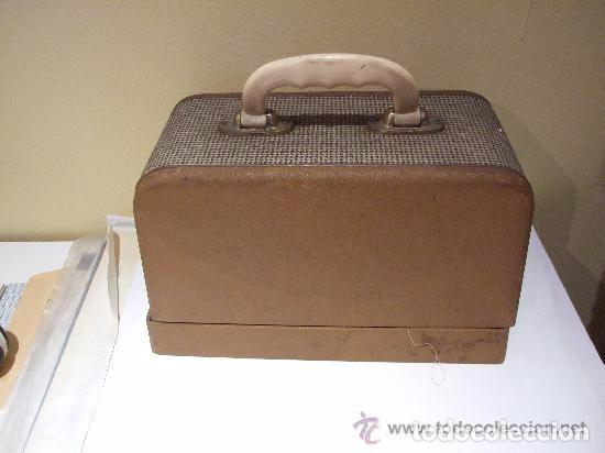 Antigüedades: MAQUINA DE COSER PORTATIL COLIBRI 1960 - Foto 6 - 139517682