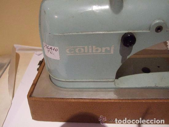 Antigüedades: MAQUINA DE COSER PORTATIL COLIBRI 1960 - Foto 8 - 139517682