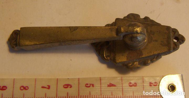 TIRADOR DE MUEBLE 9 CM (Antigüedades - Técnicas - Cerrajería y Forja - Tiradores Antiguos)