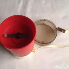 Antigüedades: MOLINILLO CAFE VINTAGE TAURUS AÑOS 70, FUNCIONA.. Lote 139704766