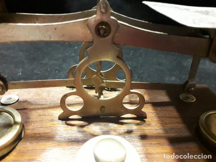 Antigüedades: Antigua balanza con pesas - Foto 3 - 139927402