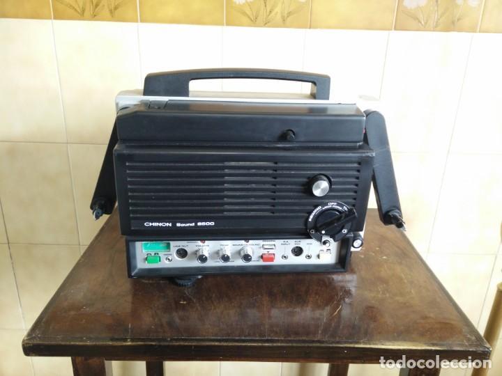 Antigüedades: Antiguo proyector super 8 CHINON SOUND 8500 Decoracion retro vintage - Foto 3 - 139974126