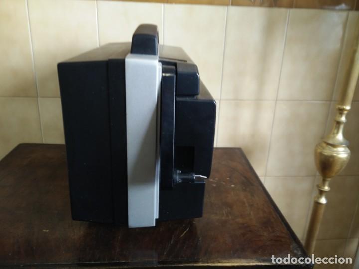 Antigüedades: Antiguo proyector super 8 CHINON SOUND 8500 Decoracion retro vintage - Foto 9 - 139974126