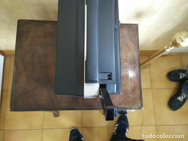 Antigüedades: Antiguo proyector super 8 CHINON SOUND 8500 Decoracion retro vintage - Foto 12 - 139974126