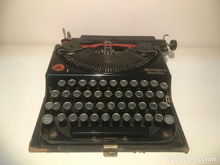 ANTIGUA MÁQUINA DE ESCRIBIR REMINGTON PORTABLE, MADE IN USA. CON MALETÍN (Antigüedades - Técnicas - Máquinas de Escribir Antiguas - Remington)