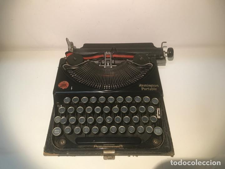 Antigüedades: Antigua máquina de escribir Remington Portable, Made in USA. Con maletín - Foto 2 - 140091333