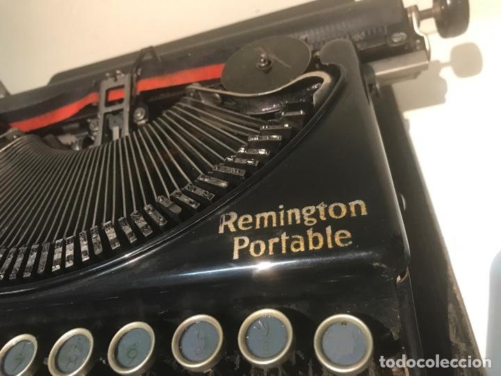 Antigüedades: Antigua máquina de escribir Remington Portable, Made in USA. Con maletín - Foto 5 - 140091333