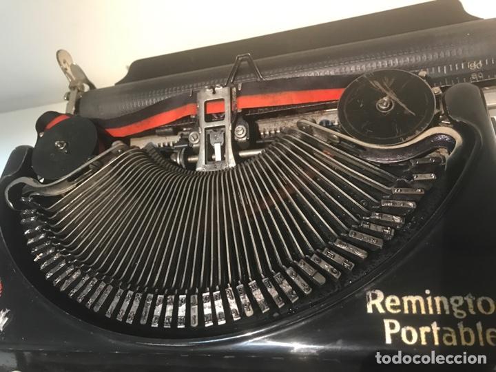 Antigüedades: Antigua máquina de escribir Remington Portable, Made in USA. Con maletín - Foto 6 - 140091333