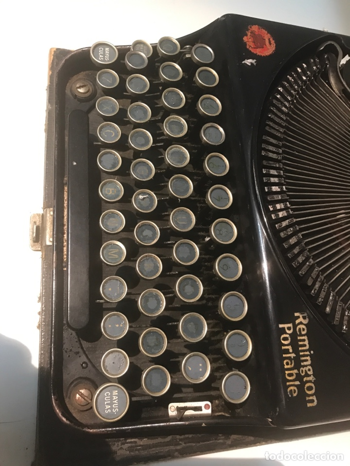 Antigüedades: Antigua máquina de escribir Remington Portable, Made in USA. Con maletín - Foto 7 - 140091333