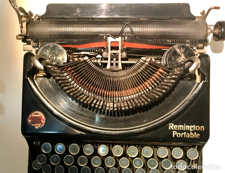 Antigüedades: Antigua máquina de escribir Remington Portable, Made in USA. Con maletín - Foto 12 - 140091333