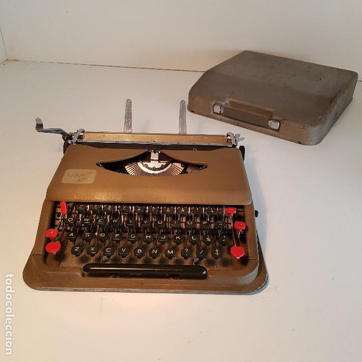 Antigüedades: Maquina de escribir, portatil, fabricada en Italia, antigua, funciona - ver video ! - Foto 2 - 140250730