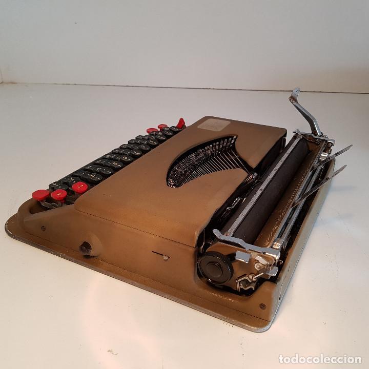 Antigüedades: Maquina de escribir, portatil, fabricada en Italia, antigua, funciona - ver video ! - Foto 6 - 140250730