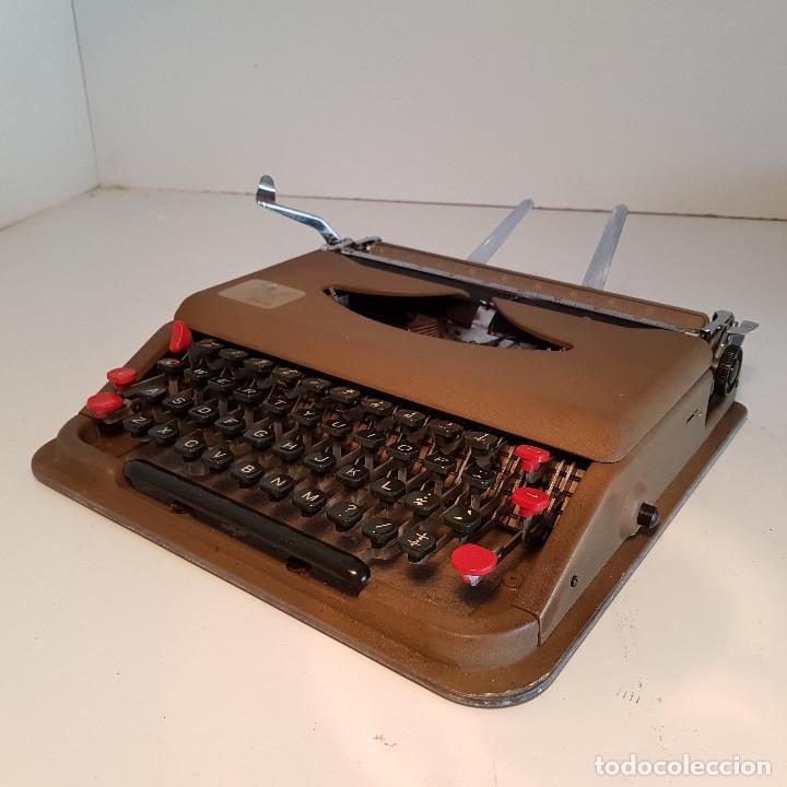 Antigüedades: Maquina de escribir, portatil, fabricada en Italia, antigua, funciona - ver video ! - Foto 7 - 140250730
