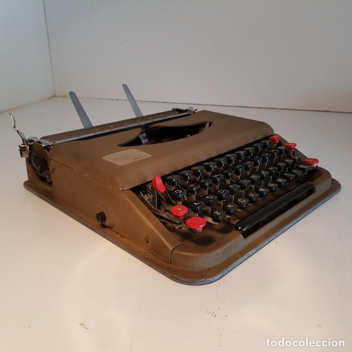 Antigüedades: Maquina de escribir, portatil, fabricada en Italia, antigua, funciona - ver video ! - Foto 9 - 140250730