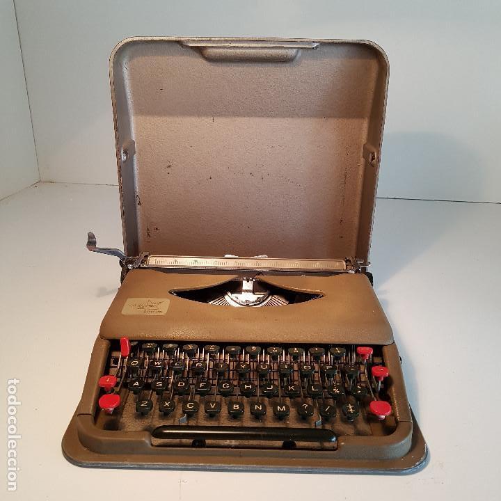 MAQUINA DE ESCRIBIR, PORTATIL, FABRICADA EN ITALIA, ANTIGUA, FUNCIONA - VER VIDEO ! (Antigüedades - Técnicas - Máquinas de Escribir Antiguas - Otras)