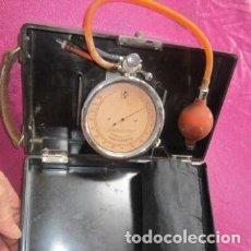 Antigüedades: ANTIGUO Y PERFECTO TENSIOMETRO OSCILLOTONOMETER. DR.VON RECKLINGHAUSEN. Lote 140365726