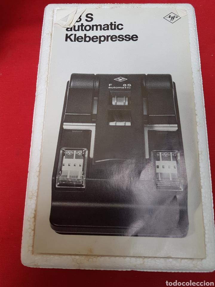 Antigüedades: Empalmadora, prensa de pegar película de super 8. Agfa f8s+caja+cinta adhesiva. Funciona - Foto 4 - 140370074